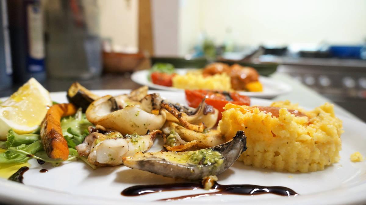 seiches au pesto et polenta
